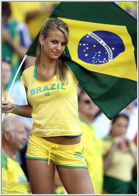 girl_soccer_fans_26.jpg